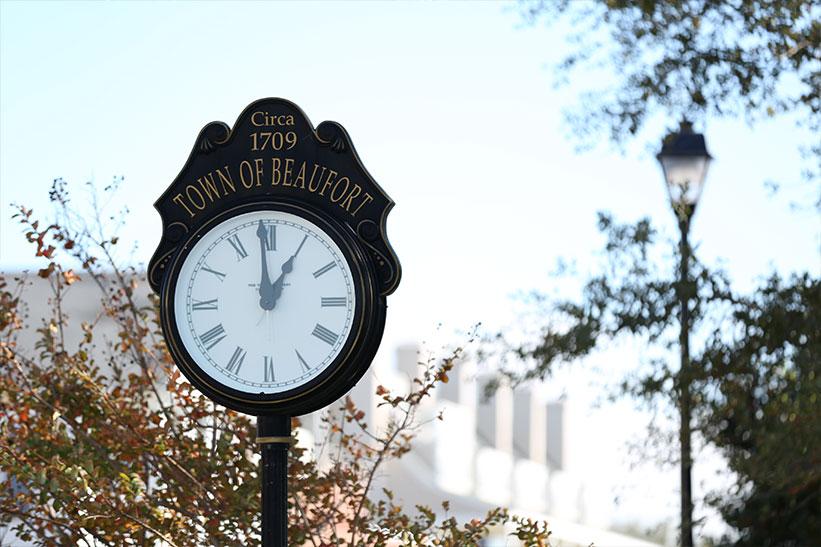 Explore Beaufort, North Carolina's marina, boutiques and historic sites