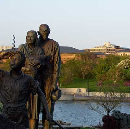 Statue of family in Memorial Park, Omaha