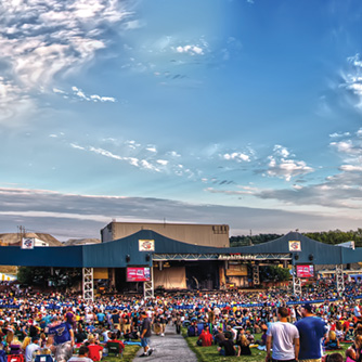 Hollywood Casino Amphitheatre, Debbie Franke