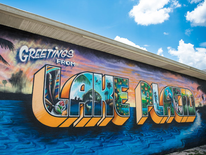 The Lake Placid Postcard Mural in Lake Placid, Florida, known for its many murals.