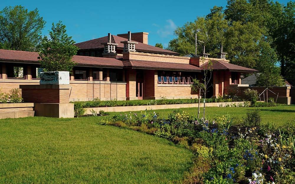 Frank Lloyd Wright's Martin House Complex in Buffalo includes a 100-foot-long pergola.